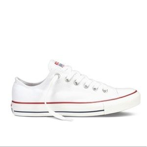 Converse Chuck Taylor All Star Low Top size 7.5